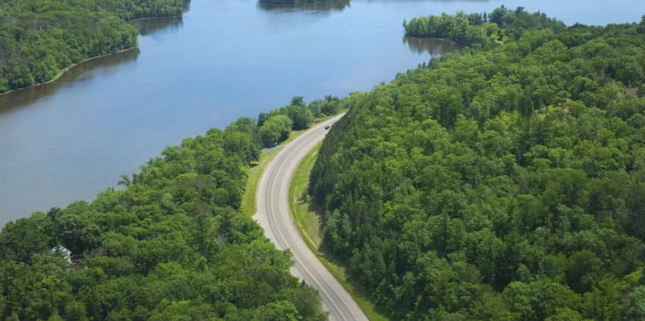 mississippi river curving road near brainerd, minnesota