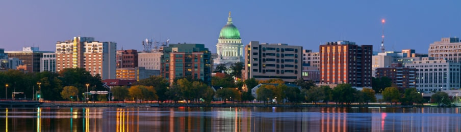 Panoramic view of Madison, Wisconsin CIty at twilight