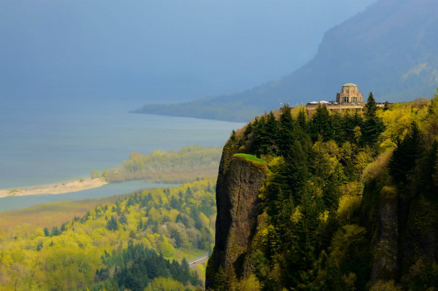 Vista House on the Historic Columbia River Highway, Oregon, USA